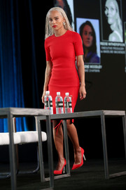 Zoe Kravitz stepped onstage during the 2017 Winter TCA Tour wearing a fitted red top and a matching skirt by Alexander Wang.