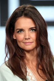 Katie Holmes framed her lovely face with a subtly wavy 'do for the 2017 Winter TCA Tour.