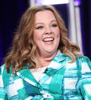 Melissa McCarthy attended the 2017 Winter TCA Tour sporting her usual wavy style.