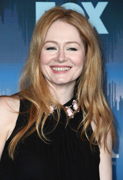 Miranda Otto wore her hair down with piecey waves at the 2017 Winter TCA Tour Fox All-Star Party.