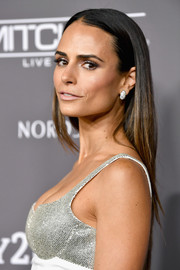 Jordana Brewster went for a simple straight hairstyle at the 2018 Baby2Baby Gala.