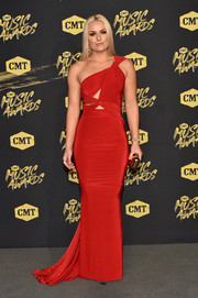 Lindsey Vonn was red-hot in a figure-hugging cutout gown by Hamel at the 2018 CMT Music Awards.