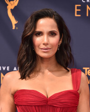 Padma Lakshmi looked gorgeous with her subtly wavy 'do at the 2018 Creative Arts Emmy Awards.
