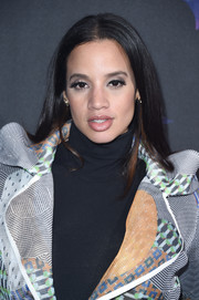 Dascha Polanco kept it simple yet stylish with this loose center-parted 'do at the 2018 DirecTV Now Super Saturday Night concert.