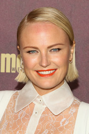 Malin Akerman sported a slick side-parted hairstyle at the 2018 Entertainment Weekly pre-Emmy party.