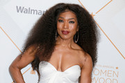 Angela Bassett looked fab with her teased curls at the Essence Black Women in Hollywood Awards.