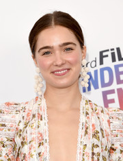 Haley Lu Richardson wore a cute pair of multi-sphere earrings at the 2018 Film Independent Spirit Awards.