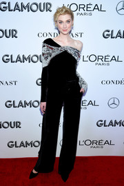 Elizabeth Debicki looked so cool in a black and silver off-the-shoulder top by Monse at the 2018 Glamour Women of the Year Awards.
