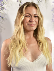 LeAnn Rimes sported beachy blonde waves at the 2018 Hallmark Channel Summer TCA event.