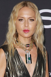 Rachel Zoe framed her face with a wavy 'do for the 2018 InStyle Awards.