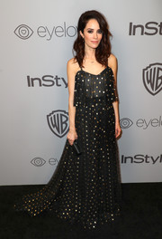 Abigail Spencer looked effortlessly chic in a flowing black Monique Lhuillier gown with metallic polka-dot embroidery at the Warner Bros. and InStyle Golden Globes after-party.