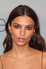 Emily Ratajkowski attended the 2018 InStyle and Warner Bros. Golden Globes post-party wearing a pair of Beladora hoop earrings.