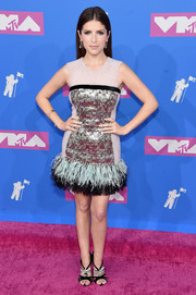 Anna Kendrick complemented her dress with a pair of bejeweled sandals by Roger Vivier.