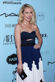 Anna Camp accessorized with a modern black and silver box clutch by Halston Heritage at the 2018 Make-Up Artists & Hair Stylists Guild Awards.