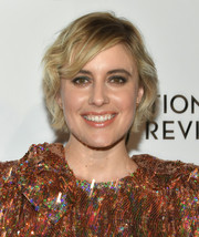 Greta Gerwig went for a sweet short wavy 'do when she attended the 2018 National Board of Review Awards Gala.