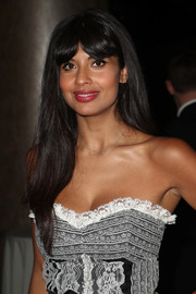 Jameela Jamil stuck to her usual long straight style with parted bangs when she attended the 2018 Television Critics Association Awards.