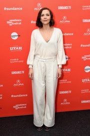 Maggie Gyllenhaal was simply chic in a white Ryan Roche sweater with a deep-V neckline and blouson sleeves at the Sundance premiere of 'The Kindergarten Teacher.'