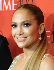 Jennifer Lopez sported a pair of classic diamond drop earrings by Lorraine Schwartz at the 2018 Time 100 Gala.