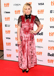 Chloe Grace Moretz chose a pink Erdem velvet gown with black tulle sleeves for the TIFF premiere of 'Greta.'