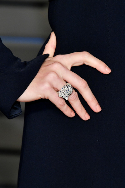 More Pics of Amy Adams Ponytail (1 of 10) - Amy Adams Lookbook - StyleBistro [ring,finger,nail,engagement ring,hand,jewellery,diamond,fashion accessory,manicure,wedding ring,radhika jones - arrivals,radhika jones,amy adams,fashion detail,beverly hills,california,wallis annenberg center for the performing arts,oscar party,vanity fair]
