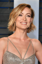 Olivia Wilde looked adorable wearing this short wavy 'do at the 2018 Vanity Fair Oscar party.