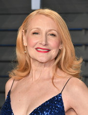 Patricia Clarkson attended the 2018 Vanity Fair Oscar party wearing her hair in a high-volume flip.
