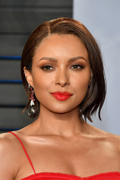 Kat Graham framed her face with a classic bob for the 2018 Vanity Fair Oscar party.