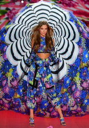 Josephine Skriver brought a gorgeous splash of color to the runway with her harem pants and crop-top combo.