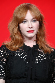 Christina Hendricks framed her face with shoulder-length waves and parted bangs for the 2018 Winter TCA Tour.
