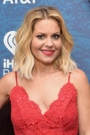 Candace Cameron Bure opted for an edgy-chic wavy hairstyle when she attended the 2018 iHeartCountry Festival.