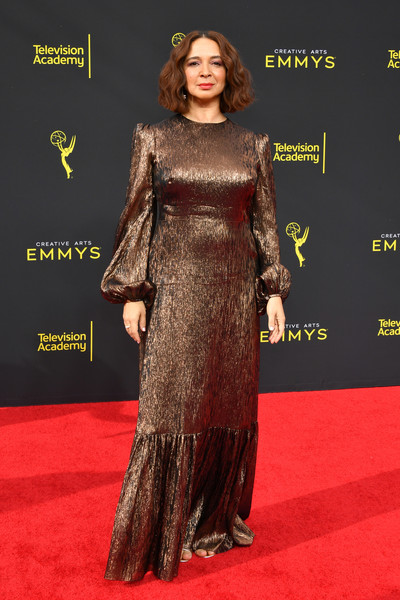 More Pics of Maya Rudolph Evening Dress (1 of 4) - Dresses & Skirts Lookbook - StyleBistro [red carpet,carpet,clothing,dress,premiere,flooring,fashion,hairstyle,shoulder,fashion model,arrivals,maya rudolph,creative arts emmy awards,los angeles,california]