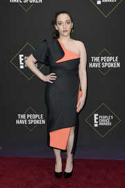 Kat Dennings attended the 2019 E! People's Choice Awards wearing a structured two-tone one-shoulder dress by Toni Maticevski.
