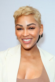 Meagan Good looked summery with her blonde pixie at the 2019 Essence Black Women in Hollywood Awards.