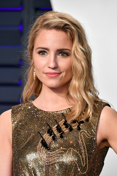 Dianna Agron looked punky with her messy waves at the 2019 Vanity Fair Oscar party.