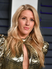 Ellie Goulding looked so pretty with her long wavy 'do at the 2019 Vanity Fair Oscar party.
