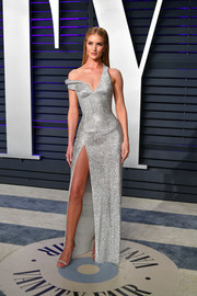 Rosie Huntington-Whiteley continued the sparkle with a pair of silver Giuseppe Zanotti sandals.
