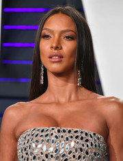 Lais Ribeiro sported a pin-straight hairstyle at the 2019 