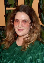 Drew Barrymore opted for a casual wavy hairstyle when she attended the 2019 WWD Honors.