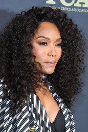 Angela Bassett always looks fab with her signature curls!