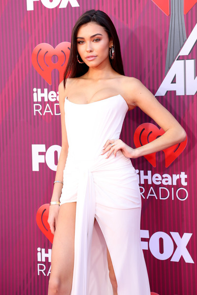 More Pics of Madison Beer Diamond Ring (4 of 9) - Gemstone Rings Lookbook - StyleBistro [red carpet,shoulder,dress,clothing,cocktail dress,beauty,premiere,joint,fashion model,strapless dress,fashion,madison beer,iheartradio music awards,commercial use,california,los angeles,microsoft theater,fox]