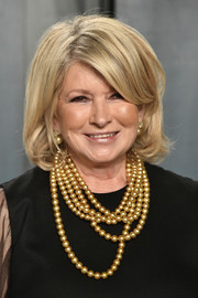 Martha Stewart wore her hair in a retro-chic bob at the 2020 Vanity Fair Oscar party.