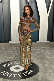 Kerry Washington looked cool and trendy in a heavily embellished crop-top by Zuhair Murad Couture at the 2020 Vanity Fair Oscar party.