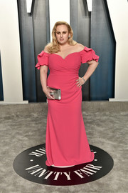 Rebel Wilson was the picture of sweetness in a pink off-the-shoulder gown by Badgley Mischka at the 2020 Vanity Fair Oscar party.