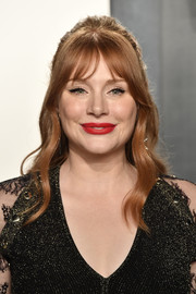 Bryce Dallas Howard looked boho-glam with her half-up waves at the 2020 Vanity Fair Oscar party.