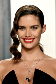 Sara Sampaio looked glam wearing this ponytail with wavy tendrils at the 2020 Vanity Fair Oscar party.