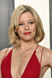 Elizabeth Banks wore her hair in a sweet bob at the 2020 Vanity Fair Oscar party.