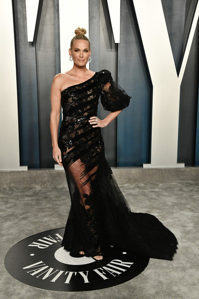 More Pics of Molly Sims Sheer Dress (1 of 1) - Molly Sims Lookbook - StyleBistro [oscar party - look book,fashion model,gown,dress,shoulder,clothing,fashion,haute couture,beauty,formal wear,joint,molly sims,radhika jones,wallis annenberg center for the performing arts,california,beverly hills,vanity fair,oscar party,little black dress,fashion show,runway,fashion,haute couture,supermodel,dress,model,gown,socialite]