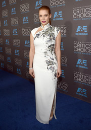 Jessica Chastain arrived at the Critics' Choice Movie Awards wearing a figure-hugging dress with a cutout collar and stunning beadwork.