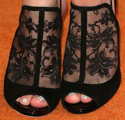 Bella chose these super elegant lace sandals for her pretty evening look at the Love to Erase MS Gala.