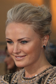 Malin Akerman swept her hair back into a classic and chic French twist for the SAG Awards.